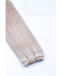 Dieses Bild zeigt die GlamXtensions Weft Extensions Haarverlängerung in der Farbe #22 Hellblond in Großansicht. Die echthaar Tressen Extensions sind in vielen verschiedenen Farben erhältlich.
