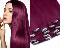 Dieses Bild zeigt die 7-teilige GlamXtensions Clip In Extensions Haarverlängerung mit 16 Clips in der Farbe #burg in Großansicht und ein Model